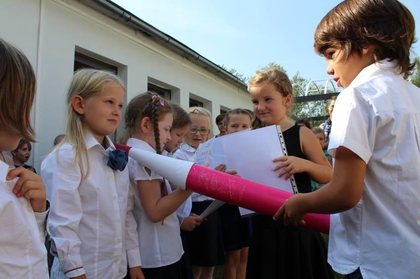 krakow-montessori-school-uczniowie-klas-pierwszych